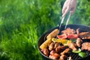 Sommerzeit ist Grillzeit: Unbedingt auf Gesundheitsrisiken achten