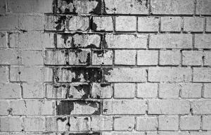 Man muss unbedingt das Mauerwerk trocken legen