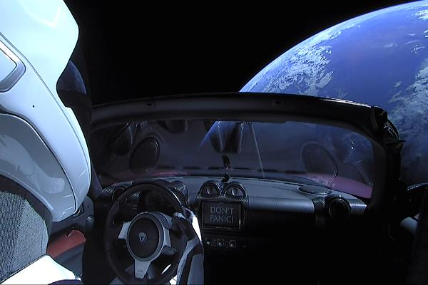Elon Musk Tesla Roadster into space : cokcpit view from starman