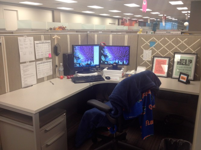 Decorate Cubicle How To Office Wallpaper Crafty Pinterest