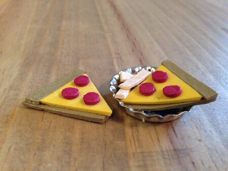 Craft foam doll pizza.