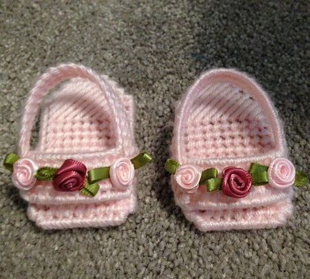 Plastic Canvas doll sandals.