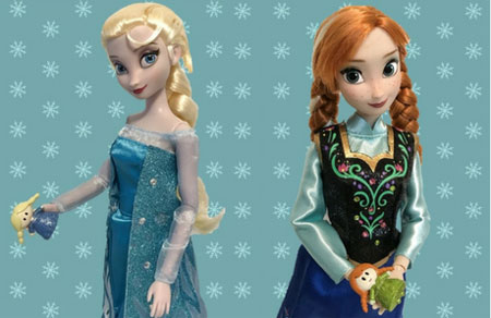Anna and Elsa holding the mini figures.