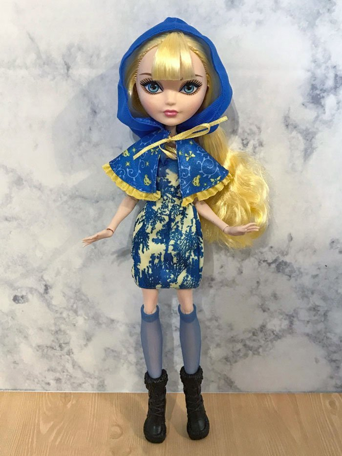 Ever After High Blondie Locks (Through The Woods).