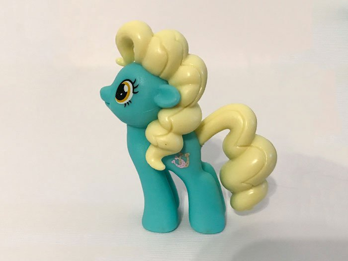 My Little Pony: Mare E. Lynn (side view).