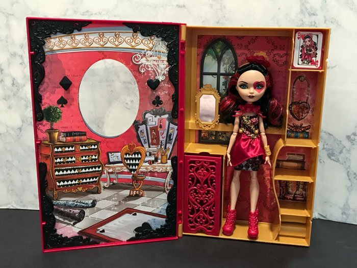 Spring Unsprung Lizzie Hearts standing in book playset.