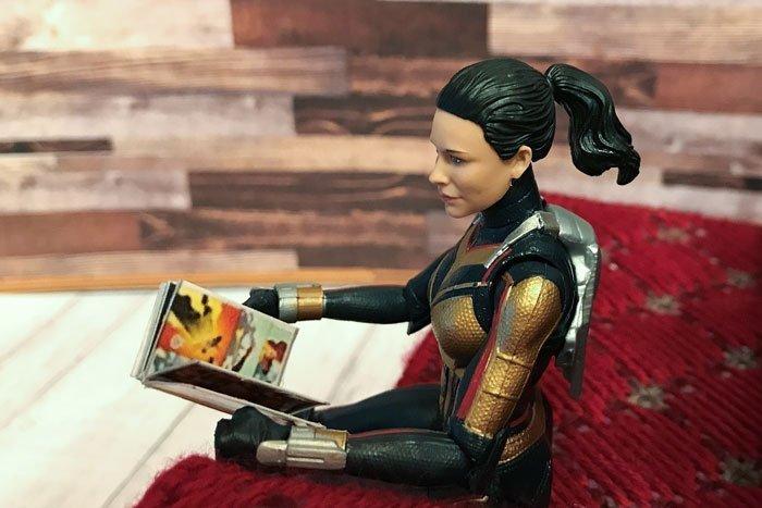 Comic books for Marvel Legends figures.
