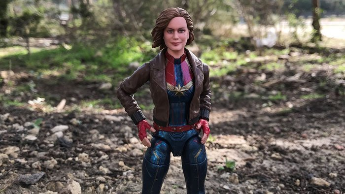 A review of Hasbro's Marvel Legends Captain Marvel action figures (2019).