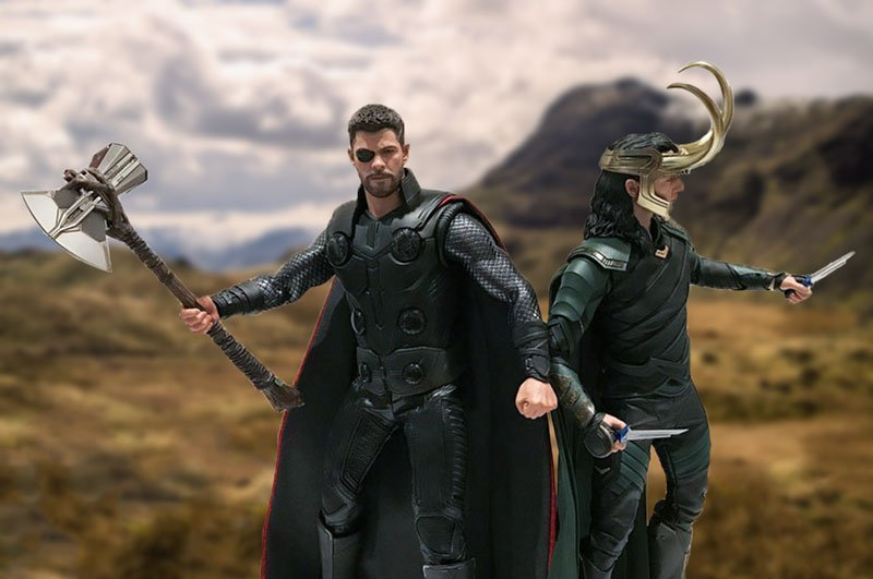 Hot Toys Infinity War Thor and Ragnarok Loki.