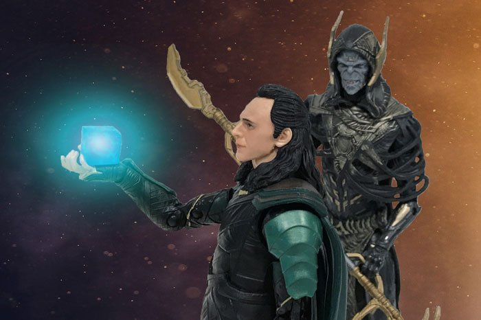 Marvel Legends Avengers: Infinity War Loki and Corvus Glaive.