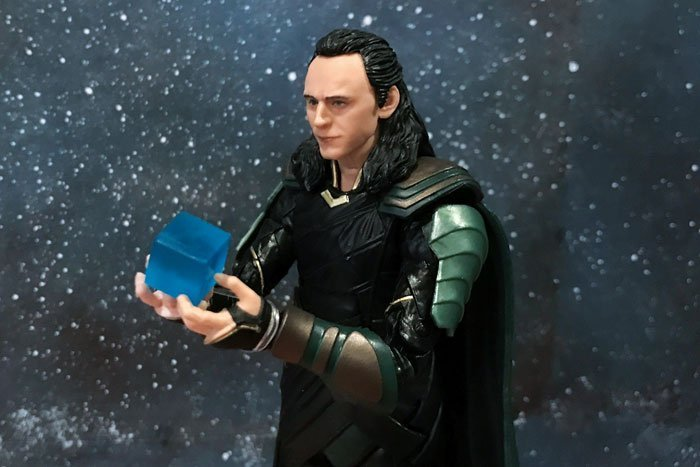 Image of Marvel Legends Infinity War Loki and the Tesseract.