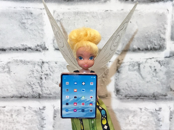 DIY miniature iPads for dolls.