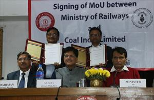 2-witnessed-mou-signing-between-ministry-of-railway-coal-india-ltd(1)