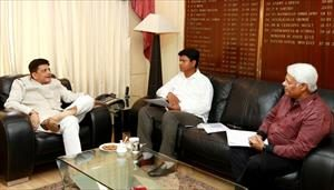 6-meeting-with-energy-minister-of-odisha-shri-pranab-prakash-das