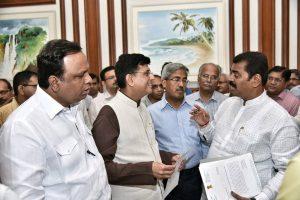 Maharashtra Mps And MLAs 03