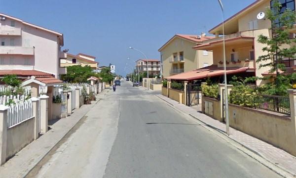 Pizzo.8/3/2014. Interventi per bonificare alcune aree di località Marinella