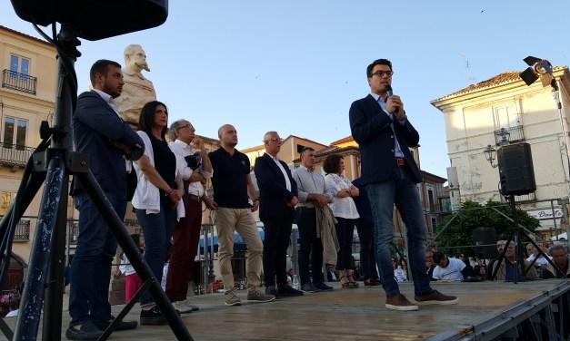 PUBBLICO DELLE GRANDI  OCCASIONI PER IL COMIZIO DI GIANLUCA CALLIPO
