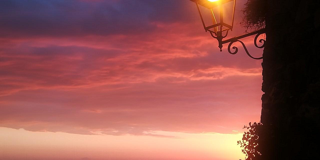 21/5/2017 I magici colori dei tramonti del Golfo Napitino