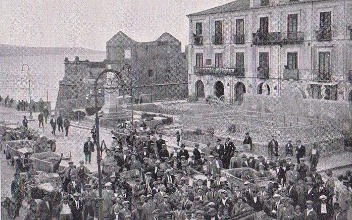 Immagini di Pizzo negli anni a cavallo dei secoli XIX e XX