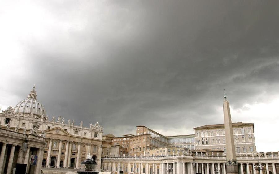 """Il Vaticano: con i """"nuovi elementi"""", si riapre l'indagine sui rapporti gay al collegio dei chierichetti"""