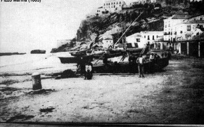 NAPIZIA NELLA STORIA ANTICA DELLA MAGNA GRECIA (743 a.c. – 280 a.c.) II rilevamento delle isolette Itacesi al largo della marina di Pizzo.