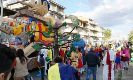 Carnevale 2018 | Giornata di sfilate e allegria in molti centri del Vibonese (VIDEO)