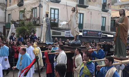 PASQUA 2018 | L'Affrundata di Pizzo, un rito secolare a due passi dal mare (VIDEO)