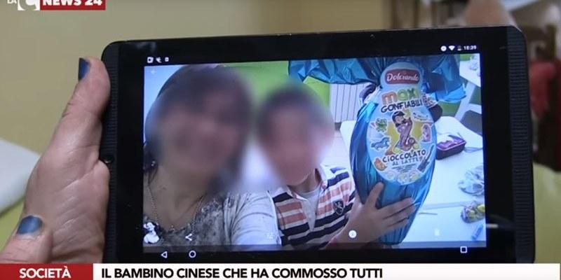 """Il bimbo cinese """"figlio"""" di Pizzo: il padre muore e la città lo adotta (VIDEO)"""