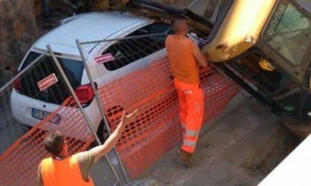 Tragedia sfiorata a Pizzo, mezzo meccanico travolge un'auto in transito