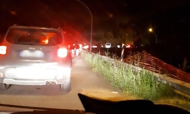 Pasquetta amara per gli automobilisti bloccati nel mega ingorgo di Pizzo