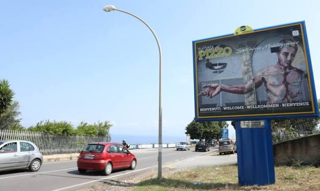 Pizzo, il territorio raccontato in nove immagini simbolo che danno il benvenuto ai turisti