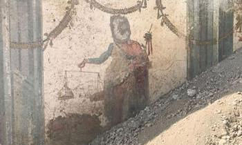 Pompei, da scavi emerge affresco Priapo