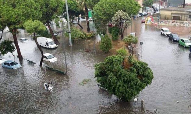 Maltempo in Calabria, famiglia dispersa nel Lametino. Sorpresa in auto dalla bomba d'acqua – Zoom24