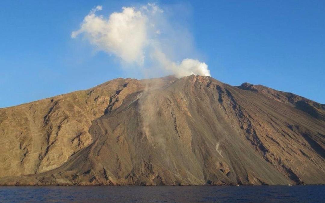 """Vulcano Stromboli riprende attività, allerta elevata a """"giallo"""" – Tgcom24"""