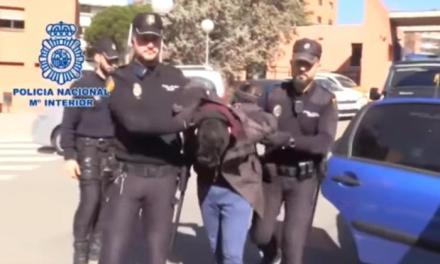 Madrid, uccide la madre e la mangia a pezzi assieme al cane | Virgilio Notizie