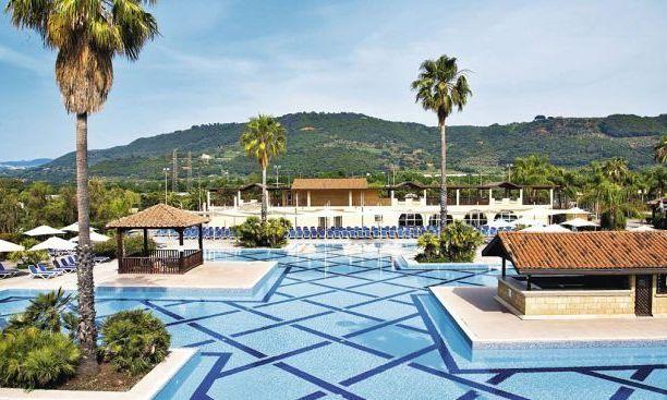Tui apre il resort Magic Life a Pizzo Calabro: corso di hospitality management per formare professionisti