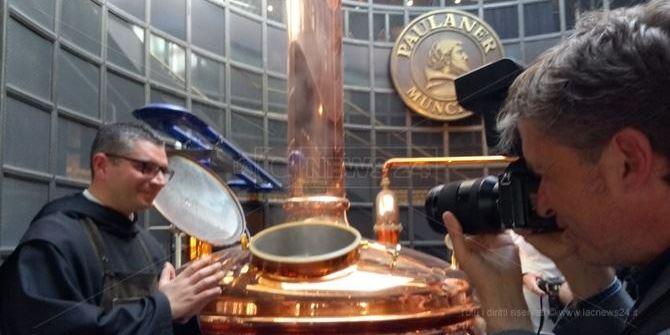 Dalla Germania a Paola per i 500 anni: la birra di San Francesco torna a casa