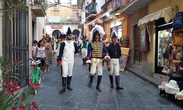 Grande successo di pubblico a Pizzo per il corteo storico Murattiano (FOTO)