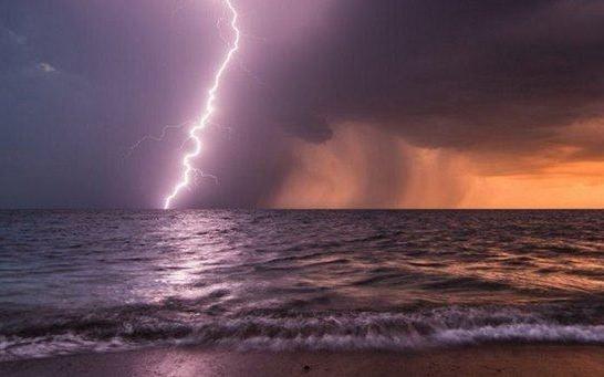 Allerta meteo, previsti venti forti e mareggiate in Calabria