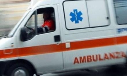 Cade con il motorino a Pizzo, donna trasferita in elisoccorso