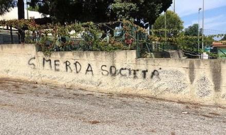 Scritte ingiuriose contro Pippo Callipo sulla recinzione del Palavalentia: avviate indagini