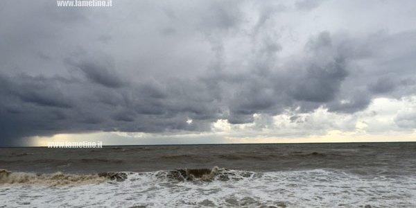 Maltempo, domani allerta arancione su tutta la Calabria: temporali e venti forti – il Lametino.it