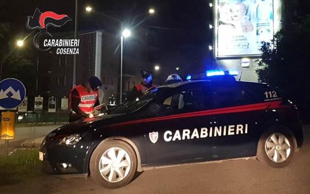 Covid, a Cosenza i clienti di un ristorante sotto tavoli all'arrivo dei carabinieri