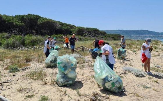 Pizzo, i volontari del WWF ripuliscono le Dune dell'Angitola – FOTO – Gazzetta del Sud