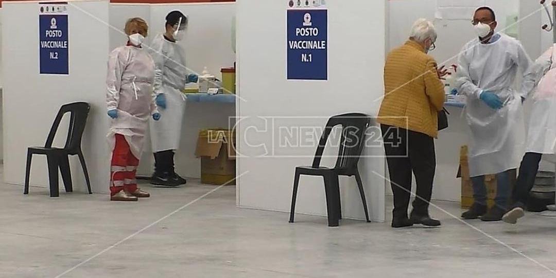 Covid, in Calabria contagi in calo: nel bollettino 193 nuovi casi e 4 morti