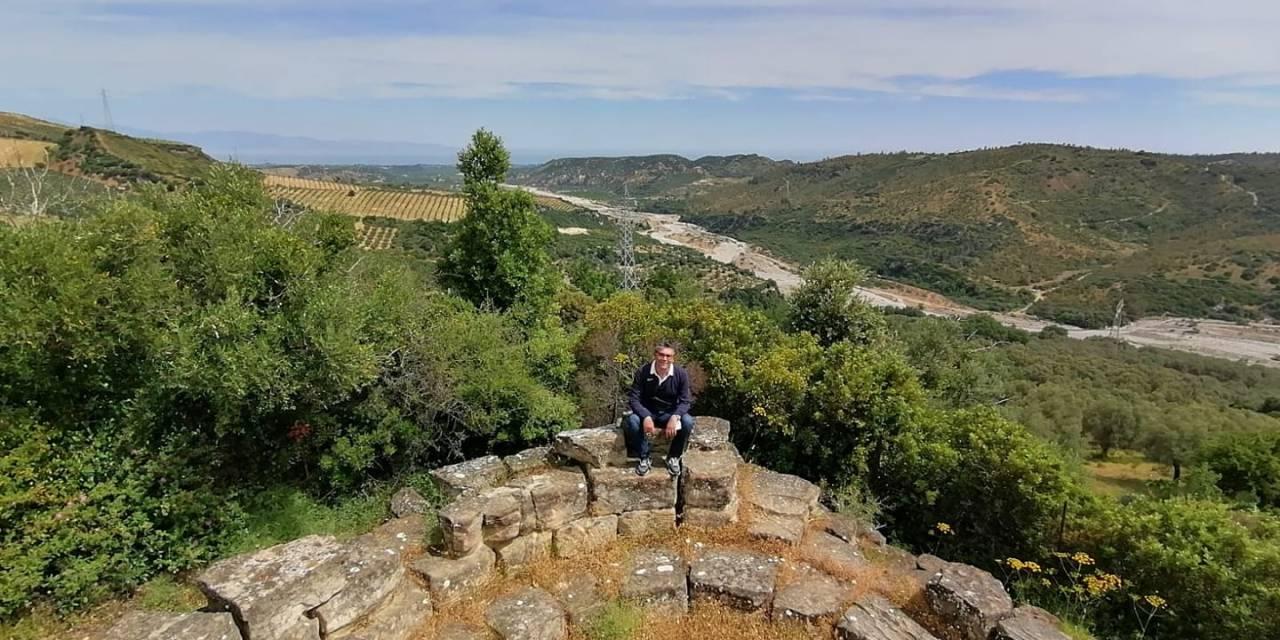 Domenico SORACE – L'antica cinta muraria di Paludi a ridosso della Sila Greca, tesoro da riscoprire (foto) – Vibo Sport e tempo libero