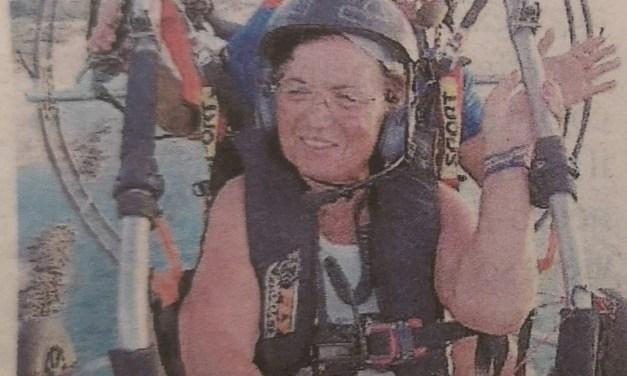 Virginia Lico sorvola Pizzo a 80 anni per gustarsi il panorama