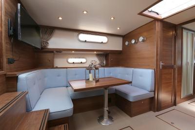 VED1230_cabin_04