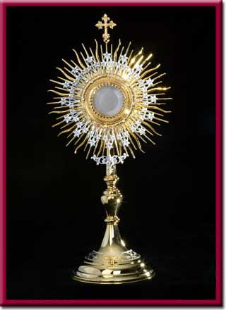 Monstrance blessed by Pope John Paul II