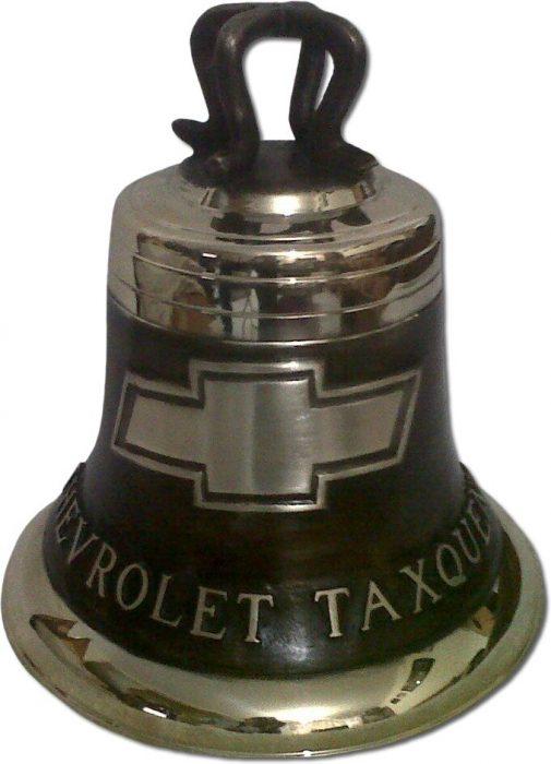 campana fundida en bronce con logotipo empresarial